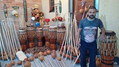 Mestre-Negao_instruments